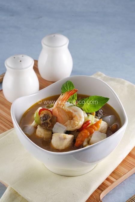 Asam-Asam Pedas Manis Seafood Wong Coco