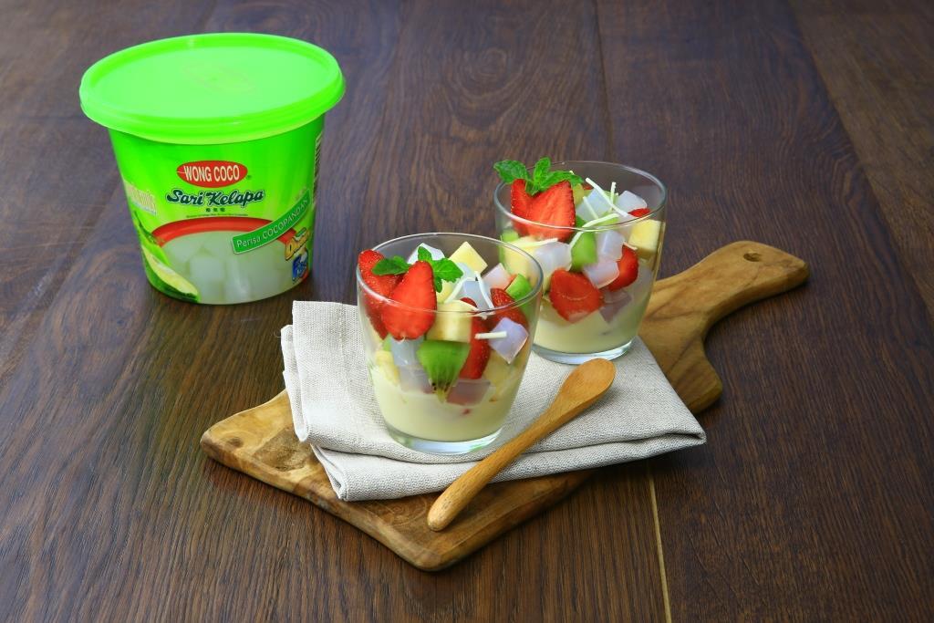 Salad Wong Coco Nata de Coco Saus Keju Krim