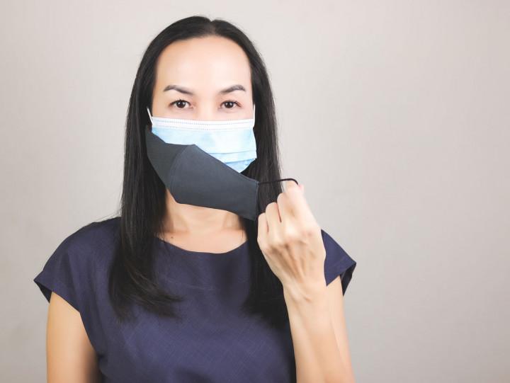 Kasus Covid-19 Melonjak, Ahli Kesehatan Sarankan Pakai Masker Dobel