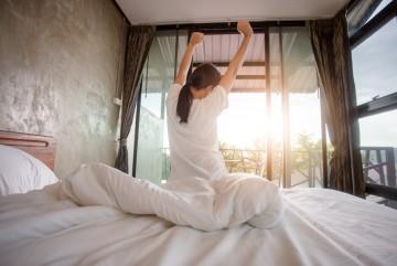 Manfaat Rutin Bangun Tidur di Pagi Hari untuk Kesehatan Tubuh